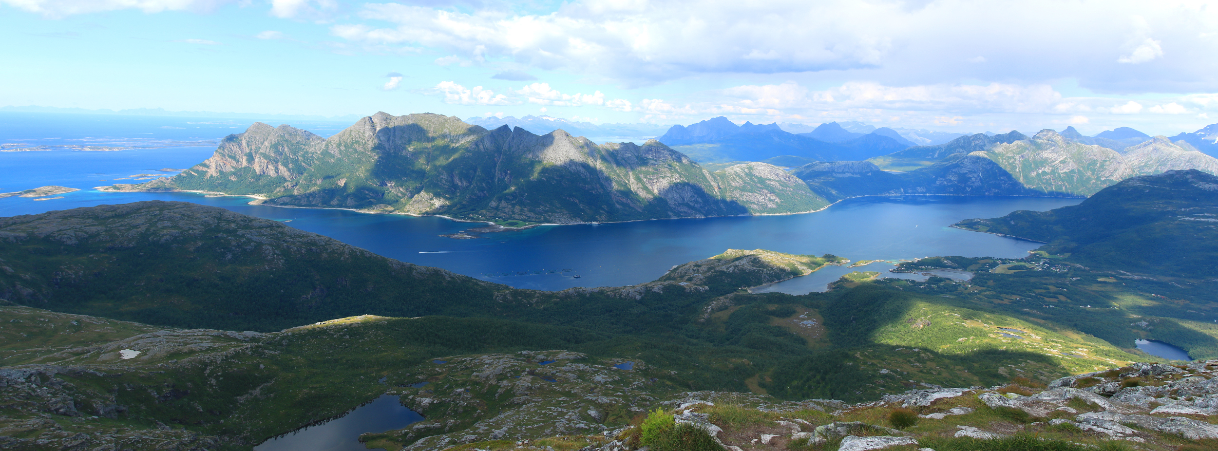 Norwegian Panorama Landscape photo af mountain and ocean